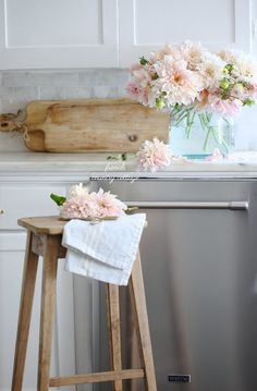 Laundry: Keeping things clean the easy way - FRENCH COUNTRY COTTAGE #laundryroom #laundry