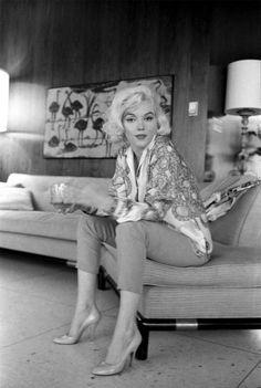 Marilyn Monroe photo by George Barris 1962 Marylin Monroe, Marilyn Monroe Photos, Divas, Old Hollywood Glamour, Classic Hollywood, Brigitte Bardot, Pin Up, Cinema Tv, Photo Vintage