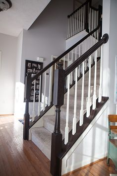 I finally tackled those outdated ugly orange oak stair banisters! What a difference it makes, right? It really is very e… – staircase Painted Stair Railings, Black Stair Railing, Stair Banister, Black Stairs, Painted Staircases, Painted Stairs, Banisters, Foyers, Architecture Restaurant