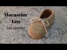 Crochet Baby Cocoon, Crochet Baby Boots, Crochet Shoes, Crochet Slippers, Knit Crochet, Baby Knitting Patterns, Baby Booties, Baby Shoes, Layette Pattern