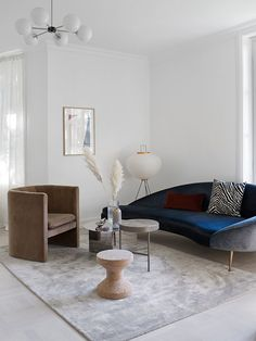 The beautiful office of Camilla Pihl in Oslo by OsloDeco. Layered Porto Sofa, Viscose rug, Akari lamp from Vitra and the Loafer Chair designed by Space Copenhagen for &Tradition. Home Living, Rugs In Living Room, Living Room Decor, Living Room Inspiration, Home Decor Inspiration, Lounge, Decor Room, Home Decor Kitchen, Chair Design