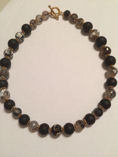 Collar en jade opaco y ágatas color negro