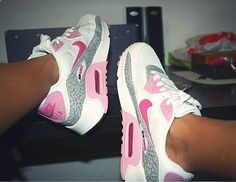 Nike Air Max, Nike Air Shoes, Nike Shoes Outlet, Toms Outlet, Diy Fashion Shoes, Sneakers Fashion, Fashion Outfits, Womens Fashion, Fresh Shoes