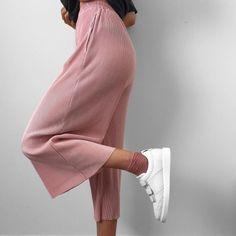 pink pleats by lissyroddyy http://ift.tt/1NGmEny