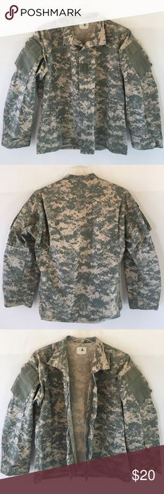Full zip desert camo jacket Very cool military jacket. Canvas-denim like feel. Velcro pockets. Full zip. 24 inches across armpit and 27 inches long. Fits L-XL. Thanks🍏 Jackets & Coats