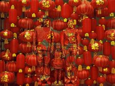 """Where's Liu Bolin? In nearly all of his art, Liu Bolin goes completely unseen - but he is typically front and center. Liu Bolin is """"The Invisible Man"""". Liu Bolin, Camouflage, Chinese Contemporary Art, Chinese Art, Chinese Style, Contemporary Artists, Man Projects, Year Of The Horse, Invisible Man"""