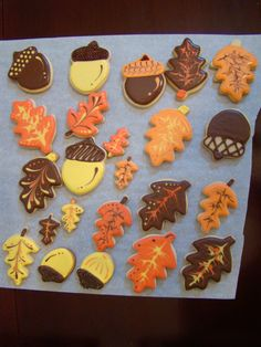 I made these for Canadian Thanksgiving last week. Canadian Thanksgiving, Thanksgiving Cookies, First Thanksgiving, Fall Cookies, Thanksgiving Recipes, Royal Icing Cookies, No Bake Treats, Food Design, Favorite Holiday