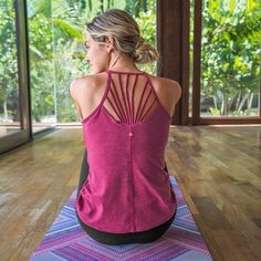 Shop our wide selection of women's yoga tops, yoga bras, bra tops & halter tops. Find new, active and fun styles that are made for movement and built to last. Yoga Fashion, Fitness Fashion, New Outfits, Cute Outfits, Yoga Bra, Yoga Tops, Yoga Everyday, Ethical Fashion, Sustainable Fashion