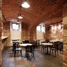 Proč navštívit kavárnu Pražírna? Protože zde naleznete interiér provoněný kávou, příjemnou atmosféru a profesionální obsluhu. Více na https://www.storyous.com/cz/mista/podnik/praha-kavarna-prazirna/