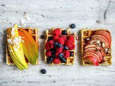 Belgiske vafler   Oppskrift - MatPrat Waffle Recipes, Kos, Waffles, Strawberry, Dairy, Cheese, Fruit, Breakfast, Ethnic Recipes