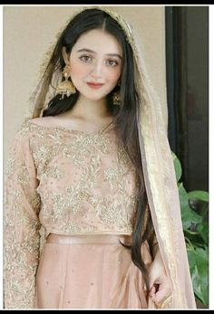 Bridal Outfits, Bridal Dresses, Beautiful Bride, Beautiful Dresses, Beauty P, Beauty Ideas, Beautiful Women Videos, Bridal Dress Design, Pakistani Wedding Dresses