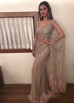 credits to: ! love this sari Indian Wedding Outfits, Pakistani Outfits, Bridal Outfits, Indian Outfits, Indian Clothes, Party Outfits, Dress Indian Style, Indian Fashion Dresses, Indian Designer Outfits
