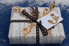 Vaateviidakko: Joulukortteja ja kierrätysmateriaaleilla paketointia Handmade Christmas Decorations, Diy Christmas, Wrapping Ideas, Gift Wrapping, Wraps, Gifts, Gift Wrapping Paper, Favors, Packaging Ideas