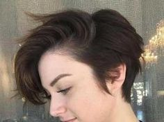 Totally Chic Styles for Pixie Haircuts