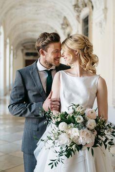 Golden Blush gehüllt in Weiß MARIE BLEYER http://www.hochzeitswahn.de/inspirationsideen/golden-blush-gehuellt-in-weiss/ #wedding #inspiration #heiraten