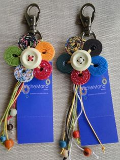 Diy Craft Projects, Sewing Projects, Projects To Try, Cute Crafts, Diy And Crafts, Shabby Chic Flowers, Diy Keychain, Button Flowers, Mothers Day Crafts