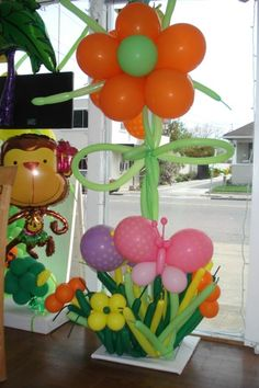Party Fiesta Decor is the premier balloon decorating company of the SF Bay Area. Making magic with balloons! Balloon Table Decorations, Fiesta Decorations, Balloon Centerpieces, Centerpiece Decorations, Flower Decorations, Love Balloon, Balloon Flowers, Party Stations, Alice In Wonderland Birthday