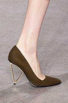 Pin for Later: The Best Shoes to Hit the Runways of New York Fashion Week Jason Wu Fall 2015 Dream Shoes, Crazy Shoes, Me Too Shoes, Zapatos Shoes, Shoes Heels, Pumps, Gold Heels, Rachel Green, Jason Wu