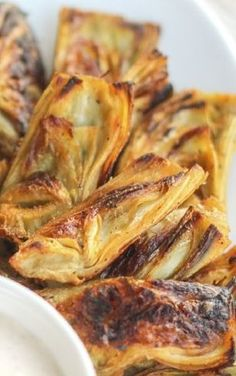 Crispy {Baked} Artichoke Hearts with Horseradish Aiol Knusprige Artischockenherzen mit Meerrettich-Aiol Vegetable Korma Recipe, Yummy Vegetable Recipes, Vegetable Side Dishes, Real Food Recipes, Vegetarian Recipes, Cooking Recipes, Healthy Recipes, Vegetable Samosa, Vegetable Tian
