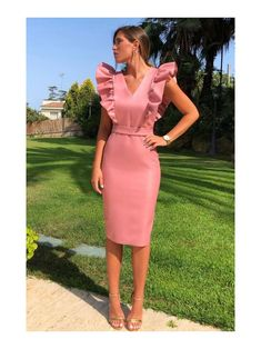 878 likes, 4 comments – Elegant Dresses, Casual Dresses, Short Dresses, Classy Dress, Classy Outfits, The Dress, Dress Skirt, Lace Dress Styles, Dress Outfits