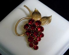 Vintage Stunning Prong Set Garnet Red Rhinestones Grape Cluster Brooch or Pin #UnsignedBeauty #VintageRhinestoneGrapeClusterBroochorPin