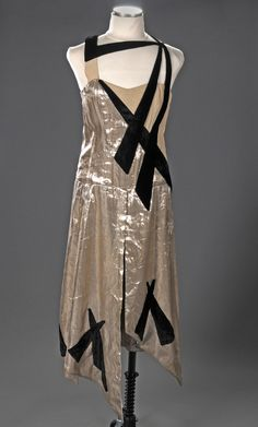 Gordon Conway dress design for the 1929 film High Treason.