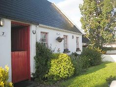 Traditional Irish Cottage in the Heart of The Golden ValeVacation Rental in County Limerick from Irish Cottage, Old Cottage, Homestead House, Ireland Homes, Cottage Exterior, Thatched Roof, Irish Traditions, House Painting, Exterior Design
