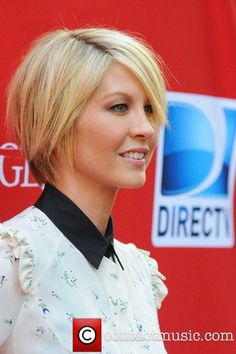 Jenna Elfman, Damages Season Five Premiere - Red