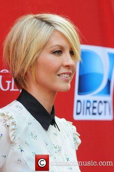 Jenna Elfman, Damages Season Five Premiere - Red