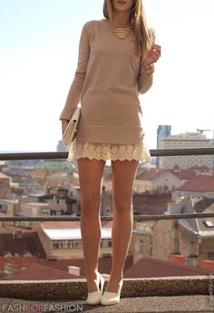 Long sweater and lace mini = Not something you would usually think to put together, but it's totally working here.