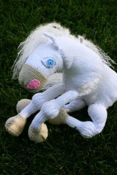 Never Not Knitting: A New Knitted Friend #free_pattern
