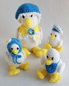 """Design By: Donna Harelik Skill Level: Easy Sizes: Large Duck: about 10 ½"""" high Small Ducks: about 5"""" high, without hat Materials: Worsted Weight Yarn: White (W) 5 oz, 330 yds Yellow (Y) 2 oz, 132 yds"""