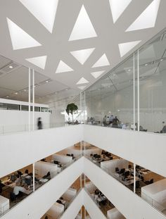 The crystal by schmidt hammer lassen architects
