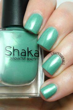 Shaka Acquamarine smalto nail polish #ovspeople http://www.lightyournails.com/2017/06/shaka-acquamarine.html