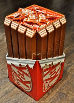 Kit-Kat Display Bin