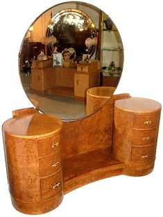 1930's Art Deco highly figured dressing table by the highly regarded H&L Epstein.
