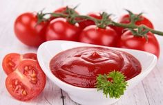 Does ketchup fit into the Paleo Diet? Many commercial brands of ketchup or not paleo, but it can be Paleo it you select carefully. Paleo Ketchup, Homemade Ketchup, Paleo Plan, Kitchen Queen, How Much Sugar, Indian Food Recipes, Ethnic Recipes, Meals For One, Recipe Using