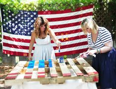 Fun Fourth of July crafts. #DIY #crafting #flags