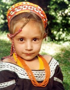 I'm super fascinated with the Kalash people of Pakistan. Kids Around The World, We Are The World, People Around The World, Beautiful Children, Beautiful People, Beautiful Life, Beautiful Places, Kalash People, Pakistan