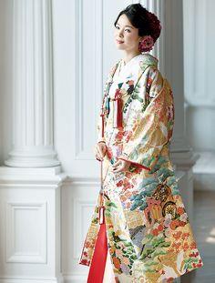 百花繚乱 花嫁のきもの全集 | ウエディング | 25ans(ヴァンサンカン)オンライン Wedding Kimono, Japanese Characters, Geisha, Traditional Dresses, Sari, Textiles, Weddings, Flower, Style