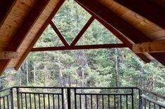 Meadowlark Treehouse at Montana Treehouse Retreat - Treehouses for Rent in Columbia Falls, Montana, United States Vacation Places In Usa, Columbia Falls, Glacier Park, Diy Network, Hgtv, Montana, Acre, United States, Treehouses