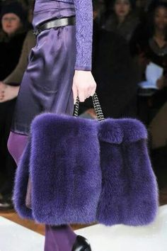 This oversized fur bag is great. From Aigner Fall 2013 collection. Purple Fashion, Fur Fashion, Fashion Week, Fashion Bags, Womens Fashion, Milan Fashion, Mode Purple, Fur Bag, Fabulous Furs