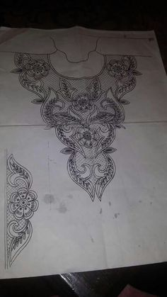 .. Embroidery Neck Designs, Couture Embroidery, Beaded Embroidery, Embroidery Patterns, Machine Embroidery, Indian Embroidery, Cute Flower Drawing, Tambour Beading, Techniques Couture