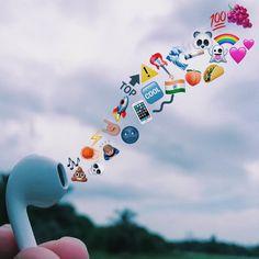 Cute Emoji Wallpaper, Cartoon Wallpaper Iphone, Sad Wallpaper, Cute Disney Wallpaper, Tumblr Wallpaper, Cute Cartoon Wallpapers, Aesthetic Iphone Wallpaper, Images Emoji, Emoji Pictures