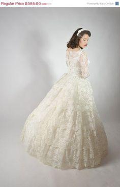 Vintage Wedding Dresses For Sale | 48-Hour Sale - Vintage 1950s Wedding Dress // ... | Wedding Dresses