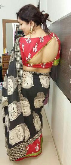Latest Saree Blouse Back Neck Designs – ArtsyCraftsyDad – dressideas Blouse Back Neck Designs, Fancy Blouse Designs, Blouse Neck Designs, Blouse Styles, Latest Saree Blouse, Latest Sarees, Stylish Blouse Design, Trendy Sarees, Collor