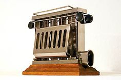 This is one of the finest virtual toaster museums of the world. Brought to you by Central Services - Media Design and Consulting Fun Art, Cool Art, Vintage Toaster, Toasters, Vintage Appliances, Media Design, Vintage Kitchen, Omega, Kitchens