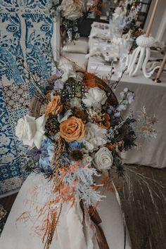 Maritime Hochzeit am Timmendorf Strand im modernen Landhausstil zu jeder Jahreszeit #countrywedding #weddingflowers #bridalbouquet Wedding Blog, Fall Wedding, Autumn Colours, Beach Weddings, Bridal Bouquets, Orange Color, Inspiration, Table Decorations, Home Decor