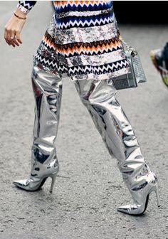 Fashion Week street High Fashion Outfits, Fashion Now, Womens Fashion, Fashion Trends, Silver Boots, Metallic Boots, Sexy Boots, Cute Outfits, Street Style