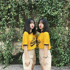 Besties, Bff, Korean Best Friends, Cute Lesbian Couples, Fashion Poses, Two Girls, Man Photo, Ulzzang Girl, Korean Fashion